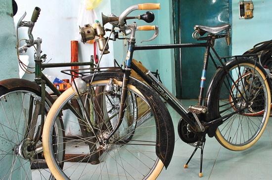 """Chiếc xe đạp """"nguyên bản"""" hiệu Sauvage Paris, đời 1940 có giá 60 triệu đồng."""