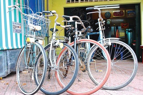 Xe đạp cổ của Nhật có giá rẻ hơn, 6. 2-7 triệu đồng/chiếc.