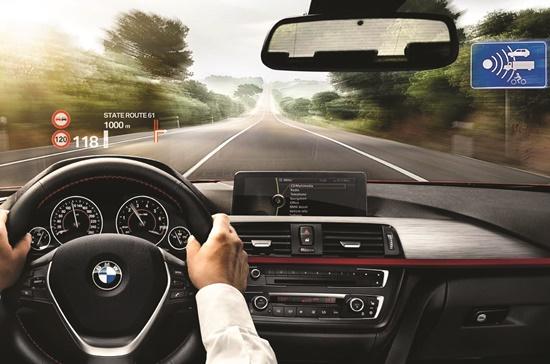 Công nghệ ngày càng được tích hợp vào các dòng xe hơi.