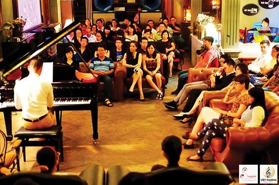 Những buổi biểu diễn quy mô nhỏ của Nhóm bạn yêu nhạc cổ điển Sài Gòn. Ảnh do Nhóm bạn yêu nhạc cổ điển Sài Gòn cung cấp