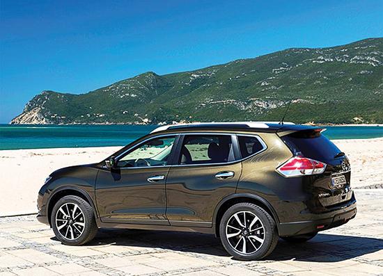 Copy of 2017-Nissan-X-Trail-rear-view