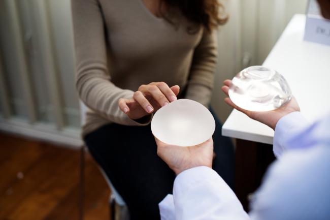 Review] Tầm quan trọng của nâng ngực trong hôn nhân vợ chồng
