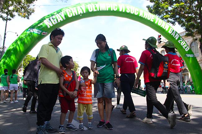 Ngày chạy Olympic toàn dân vì sức khỏe 2020